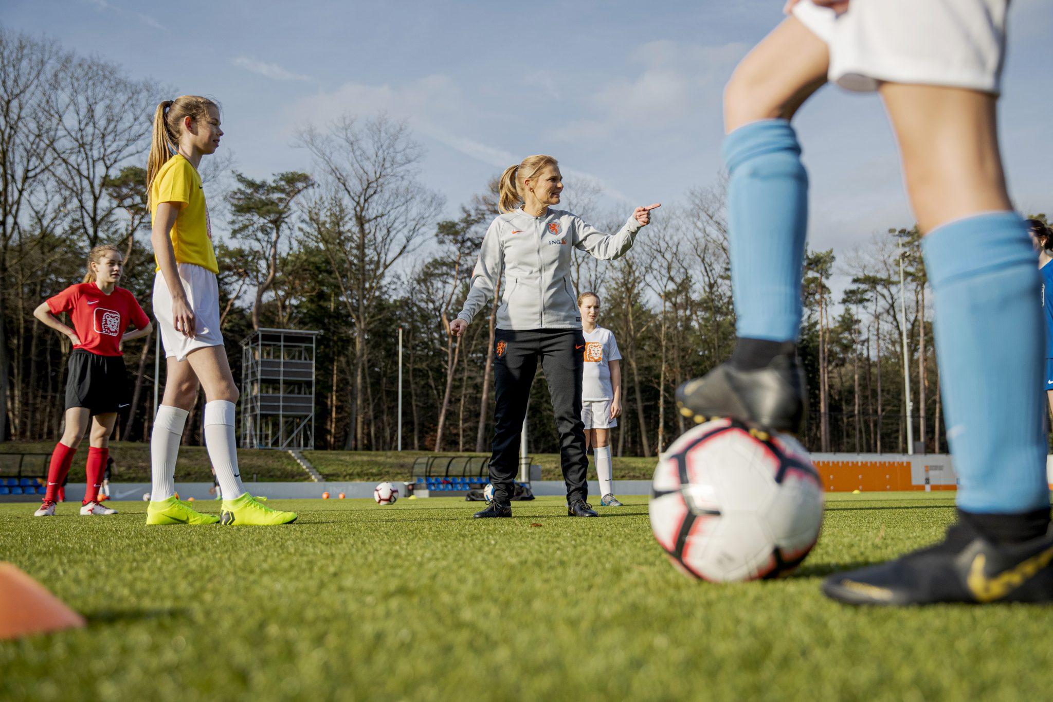 vvv Westzaan en ING verlengen sponsorcontract en gaan samen voor 25% groei in het meiden- en vrouwenvoetbal